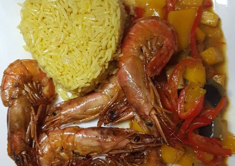 Simple Way to Make Speedy Mild Red Curry with Prawns and Mango