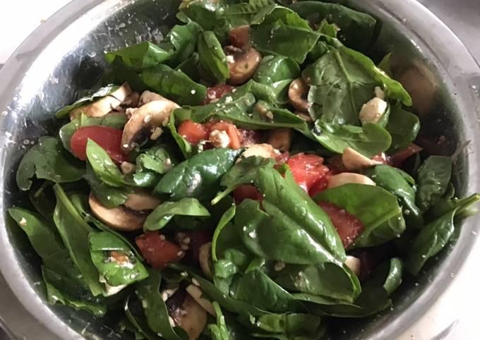 Salade d épinards aux tomates et champignons sauce citron confit et miel