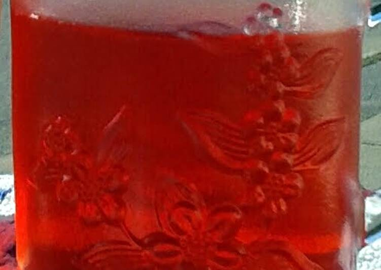 OLD FASHIONED SUN TEA WITH DEBBIE'S STRAWBERRY SYRUP