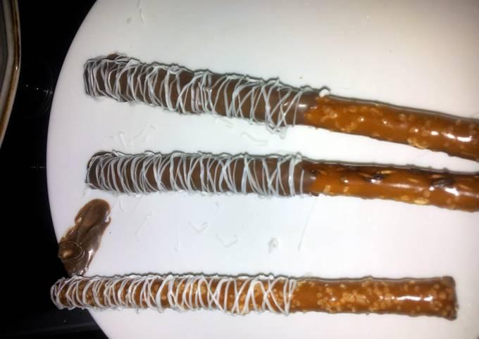 How to Prepare Delicious Chocolate covered pretzel rods