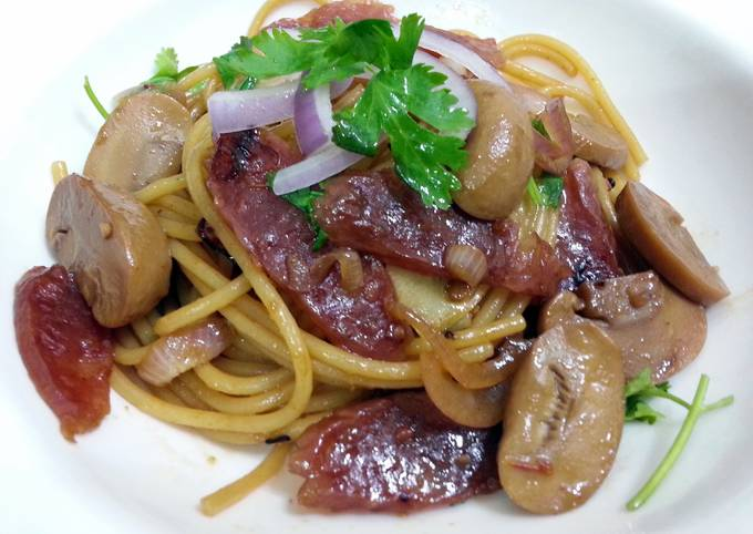 Spaghetti With Chinese Sausages And Mushroom
