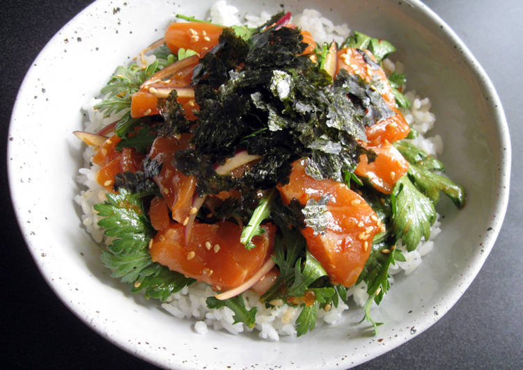 Simple Way to Prepare Speedy Spicy Salmon Sashimi Don