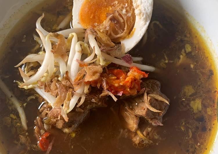 Rawon daging sapi khas surabaya