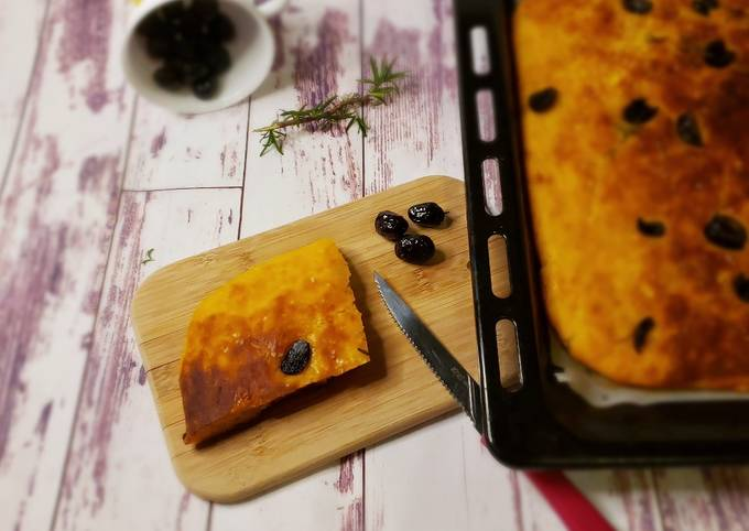 Focaccia alla zucca e olive