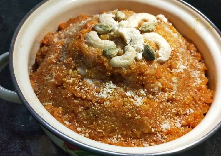 Recipe of Any-night-of-the-week Gajrela(carrot halwa)