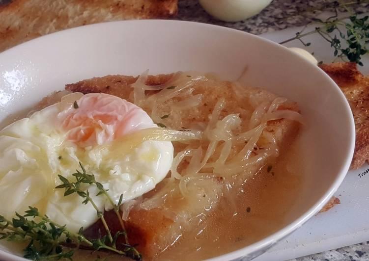 sopa de cebolla huevo
