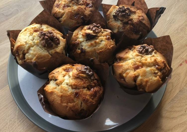 Recipe of Favorite Julie and Ben's hot and sticky fudgey date (muffins)