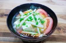 Canh nấm bạch tuyết nấu cà chua chay