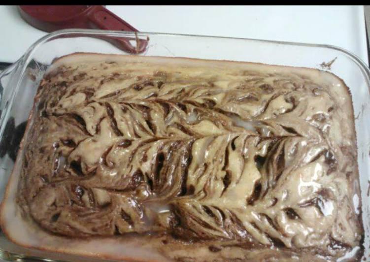 Cinnamon Roll Swir Cake