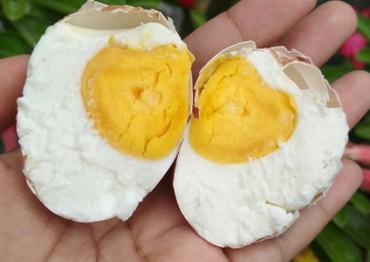 Telur (Ayam) Asin