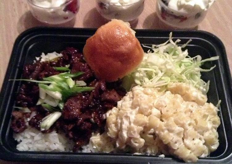 Hawaiian Barbecue And Macaroni Salad