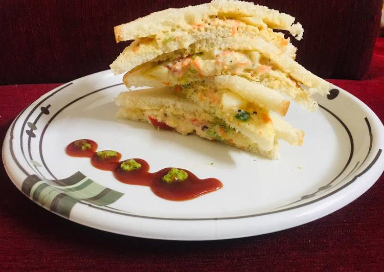 Spicy veg mayo sandwich