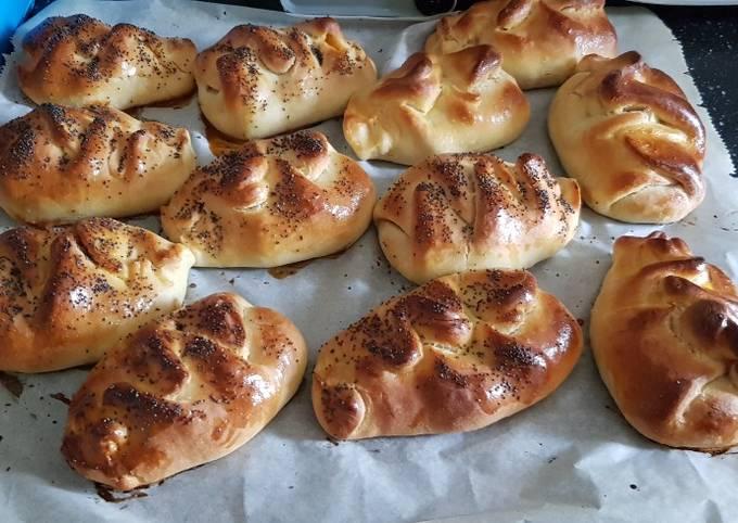 Petits pains fourrés à la.viande hachee