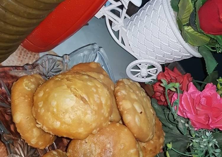 Steps to Make Super Quick Homemade Crispy chicken mongh daal Kachori😋