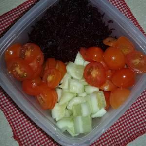 Ensalada mixta tomate, pepino y remolacha??