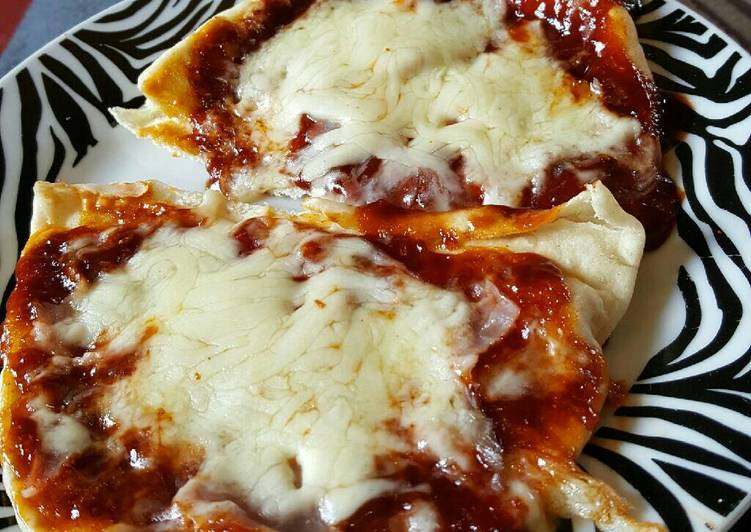 Easiest Way to Prepare Yummy Spicy flatbread pizza