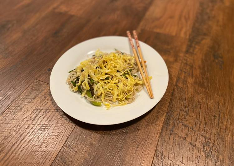 Saucy Chicken Chowmein Indian Chinese Style