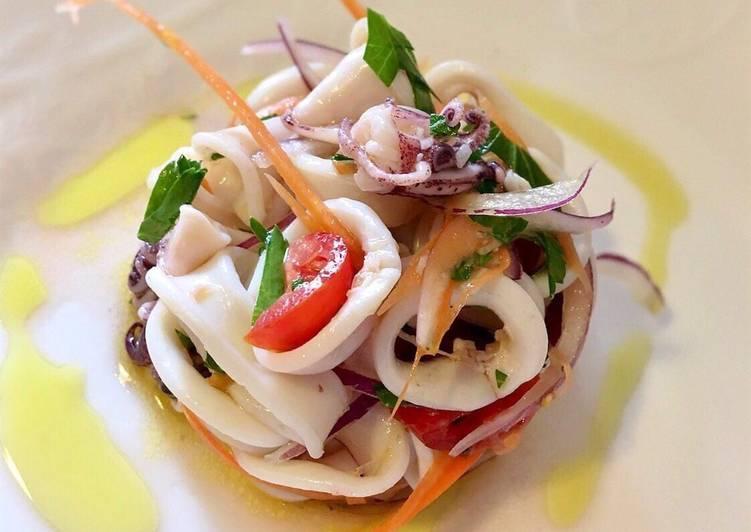 Calamaro piccolo Marinato (insalata di calamaro piccolo tiepida)