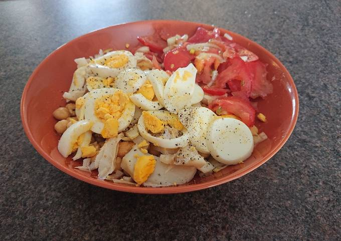 Chickpeas With Egg and Salted Cod