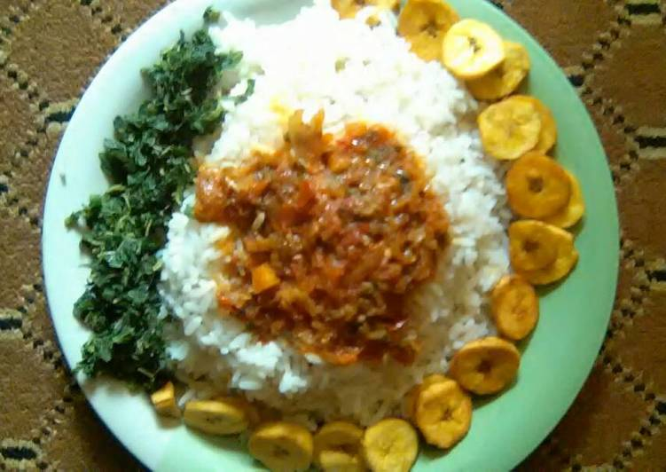 Easiest Way to Make Super Quick Homemade White rice,tomatoes sauce,plantain and spinach leave