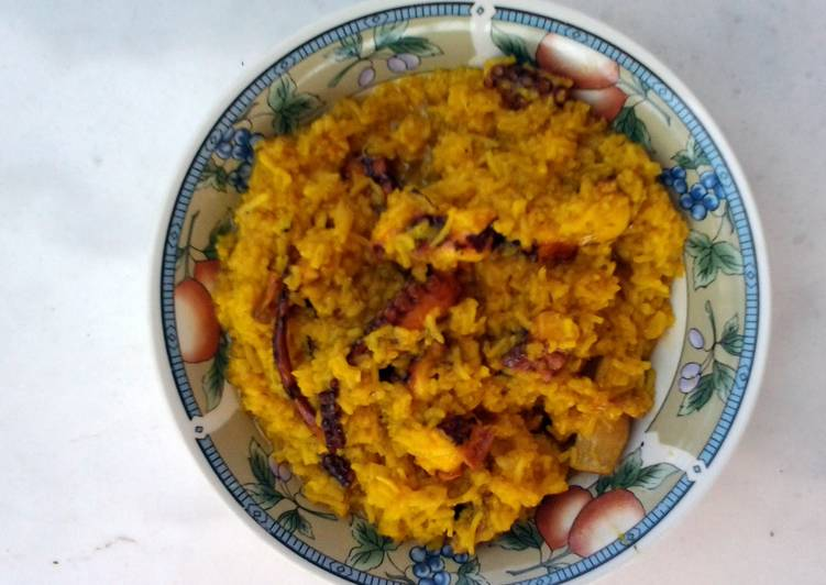 Octopus with saffron rice