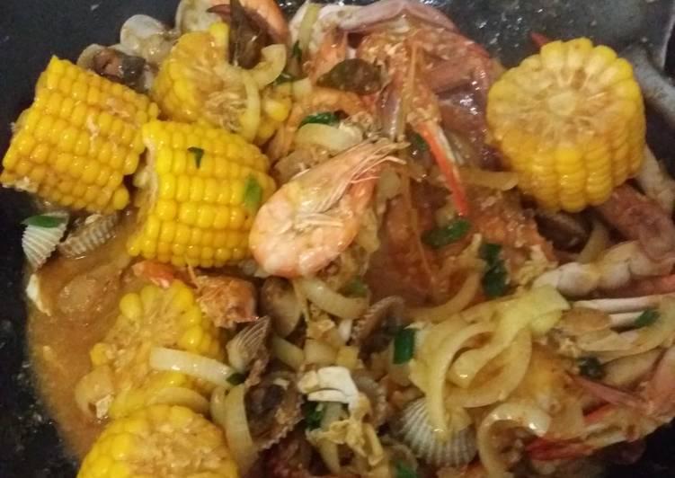 Mixed Seafood Saus Padang