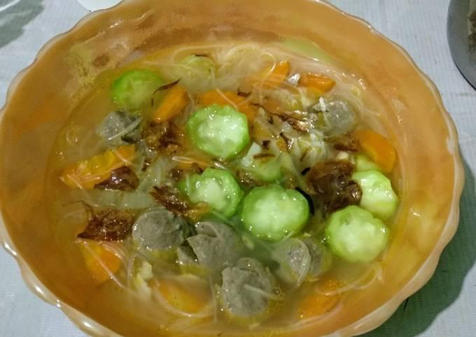 Sayur bening bakso wortel oyong yummy 😋😋