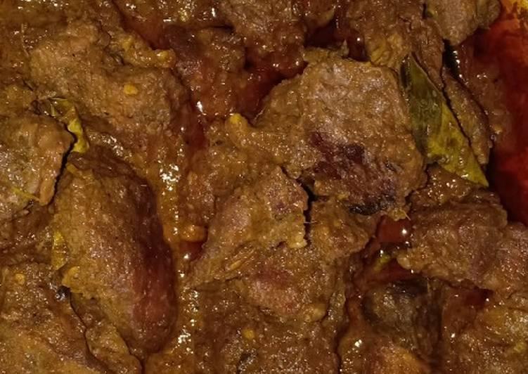 Rendang Daging Sapi Khas Minang Padang