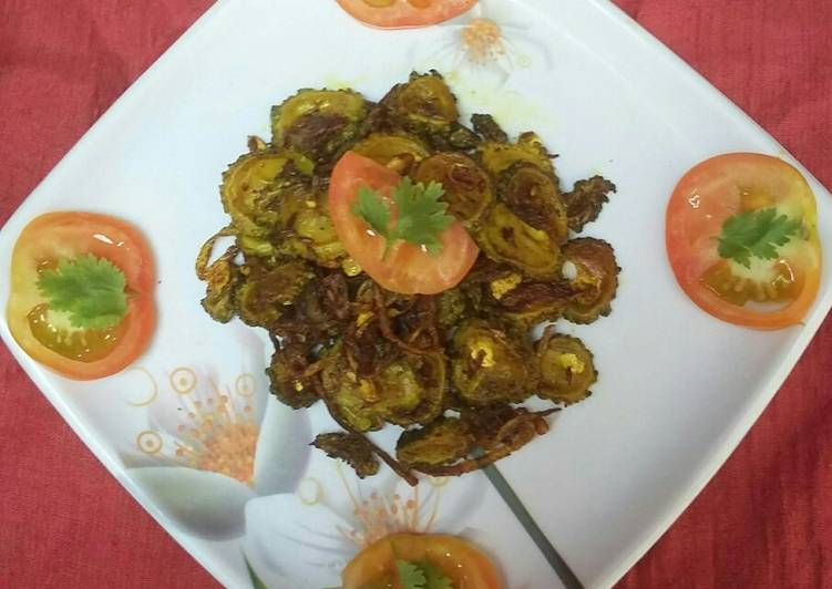 10 Minute Recipe of Fall Tangy Bittergourd Fry