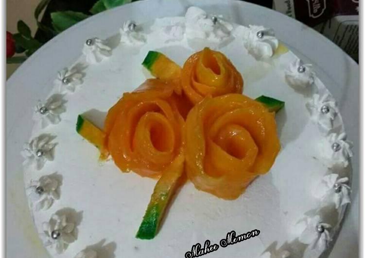 Mango flowers cake