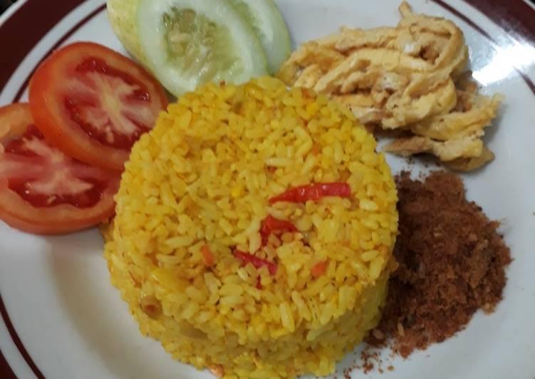 Nasi kuning speciallll 😘