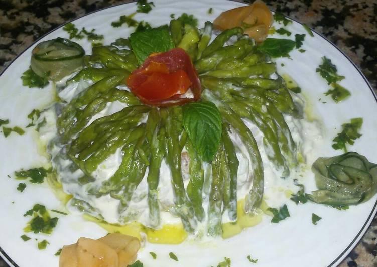 Charlotte des asperges sauvage avec macedoine de riz et thon