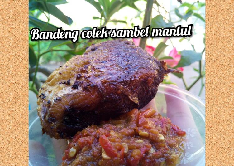 Bandeng goreng colek sambel terasi (manis pedas)