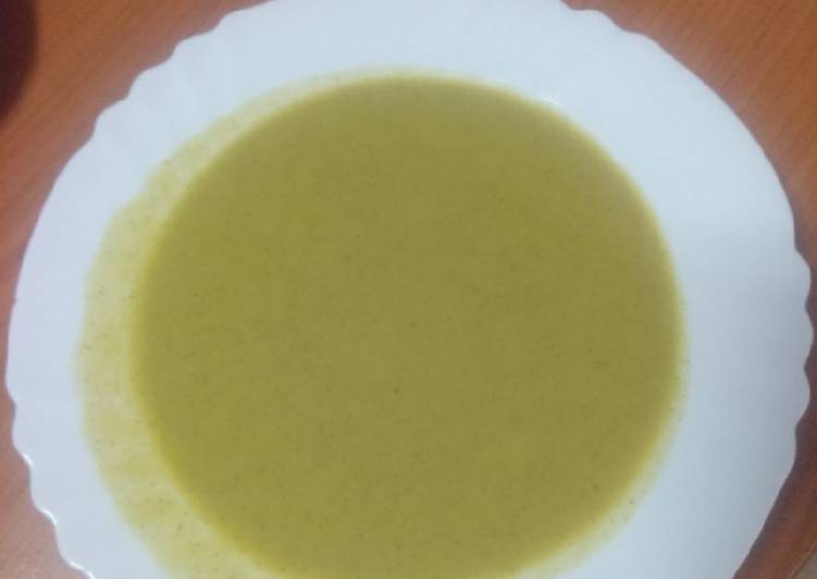 Sopa de berros y lechuga