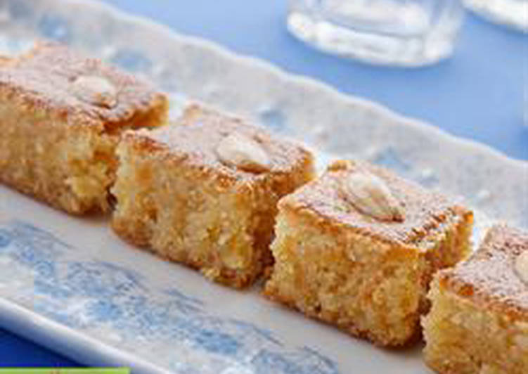 Semolina cake in sugar syrup - nammoura
