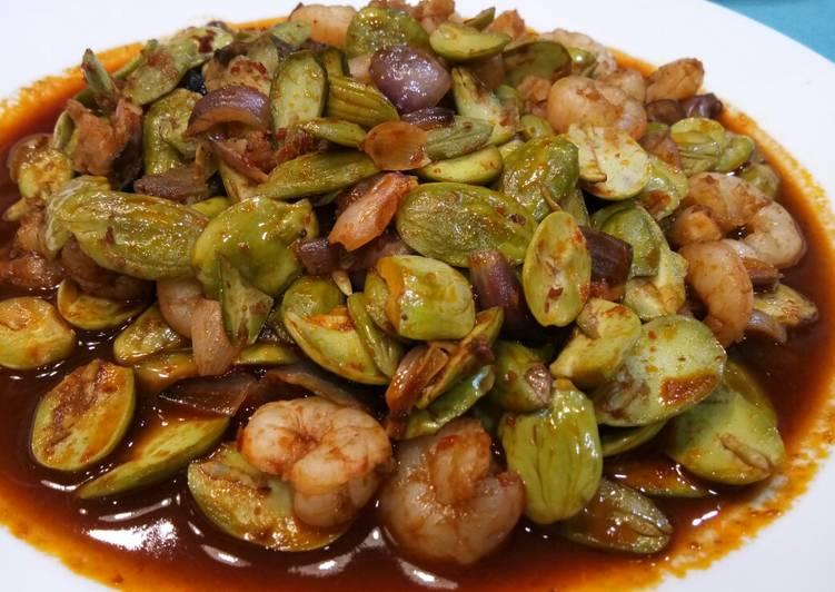 Recipe of Homemade Petai With Prawn in Sambal