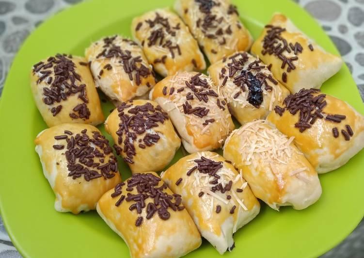 Bolen pisang keju coklat
