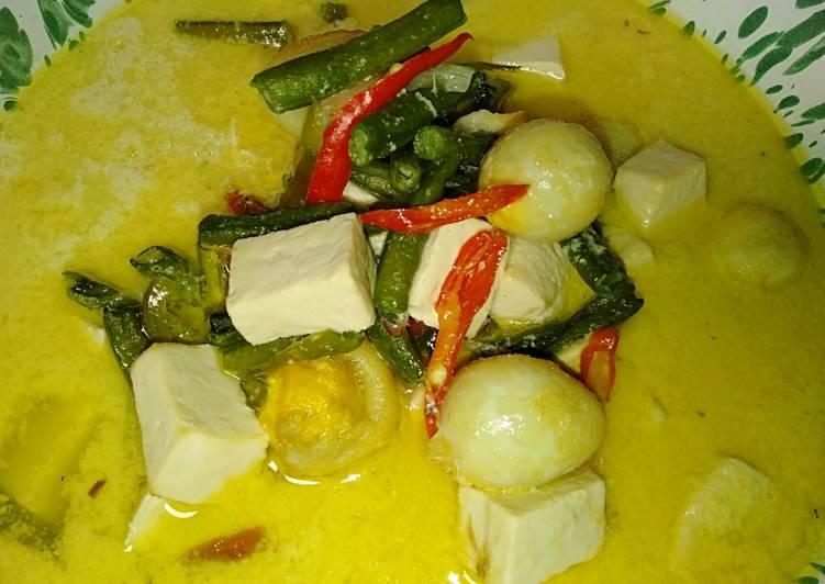 Resep Sayur santan putih cangpan. Tahu dan telur puyuh ala mbak denok Yang Umum Pasti Lezat