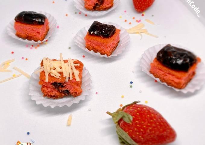 Gluten Free Brownies Pink Topping Kurma