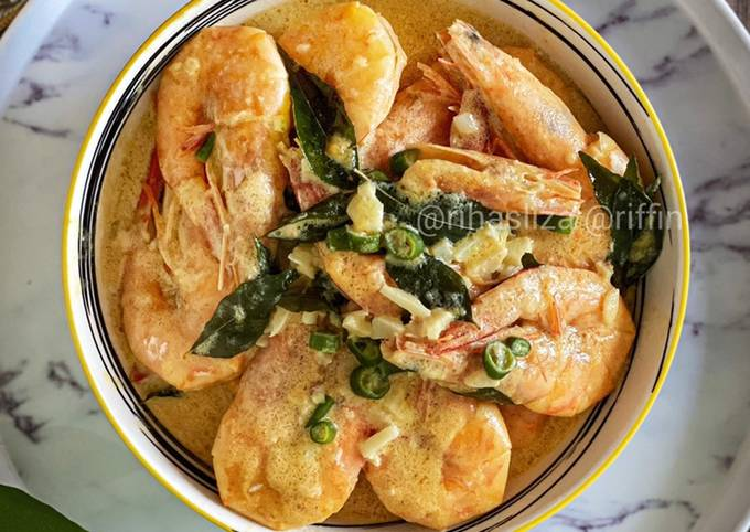 Salted Egg with Butter Prawn