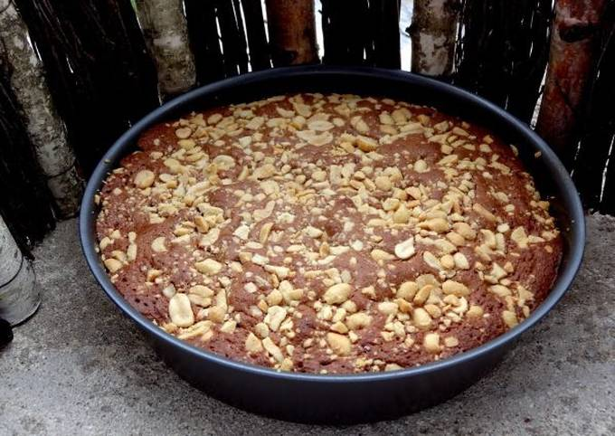 Gâteau chocolat au lait et cacahouètes grillées, salées