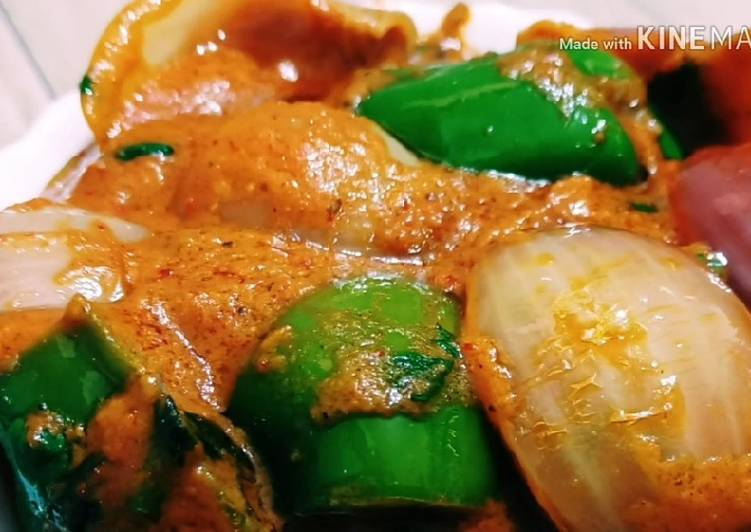 Easiest Way to Make Any-night-of-the-week Delicious Capsicum & Onion Curry Recipe