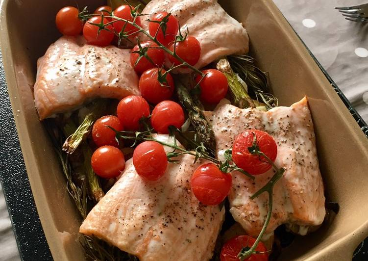 Recipe: Tasty Summer Salmon Traybake