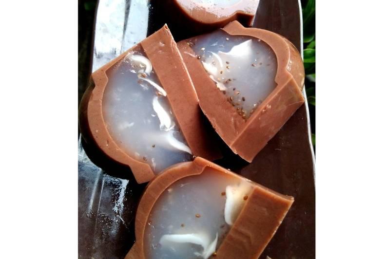 Puding kaca kelapa muda