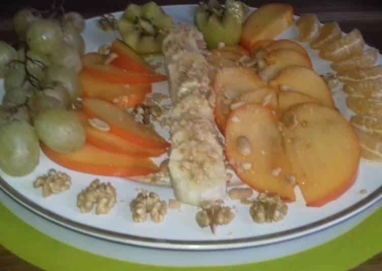 Salade de fruit de saison et des fruits sec
