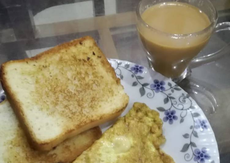 Try Using Food to Improve Your Mood Cheesy omlete with toasted bread slice