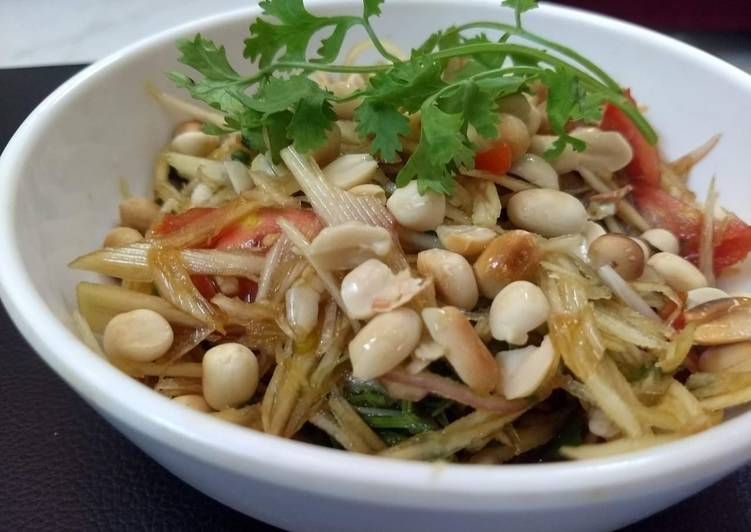 The Food Items You Select To Consume Are Going To Effect Your Health Raw papaya salad