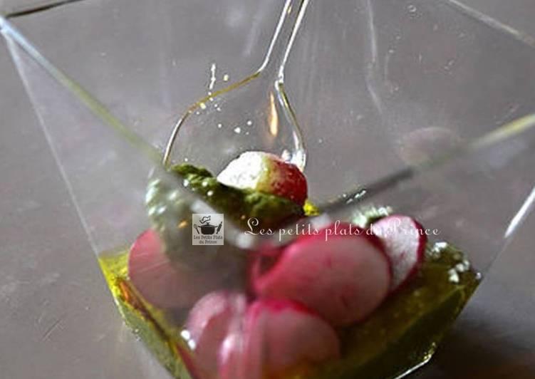 Verrine de pesto d'orties et radis roses du printemps
