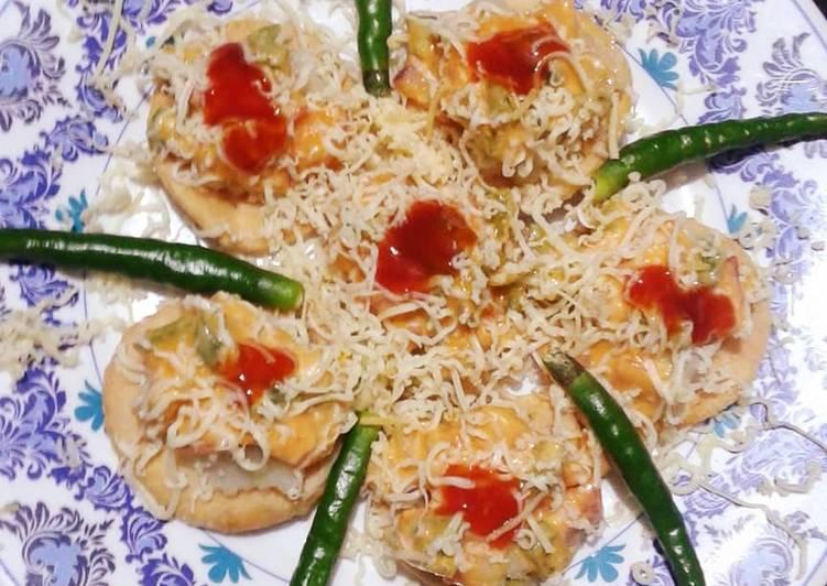 Steps to Make Favorite Chilli Cheese Sev puri