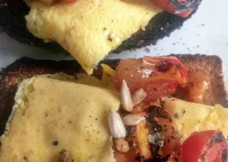 Desayuno tomate y huevo